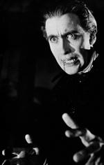 Типичный Дракула: кровавый и харизматичный